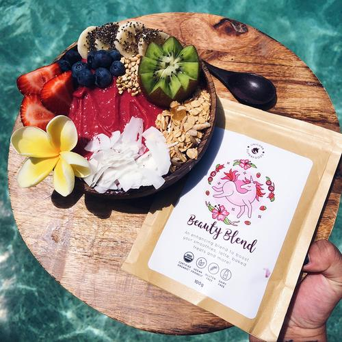 Unicorn Superfoods beauty blend tropische smoothie bowl